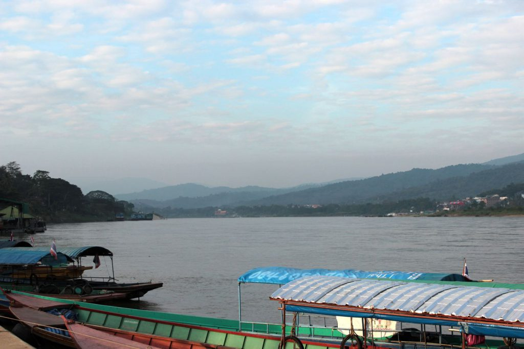 Chiang Khong - life is a beach