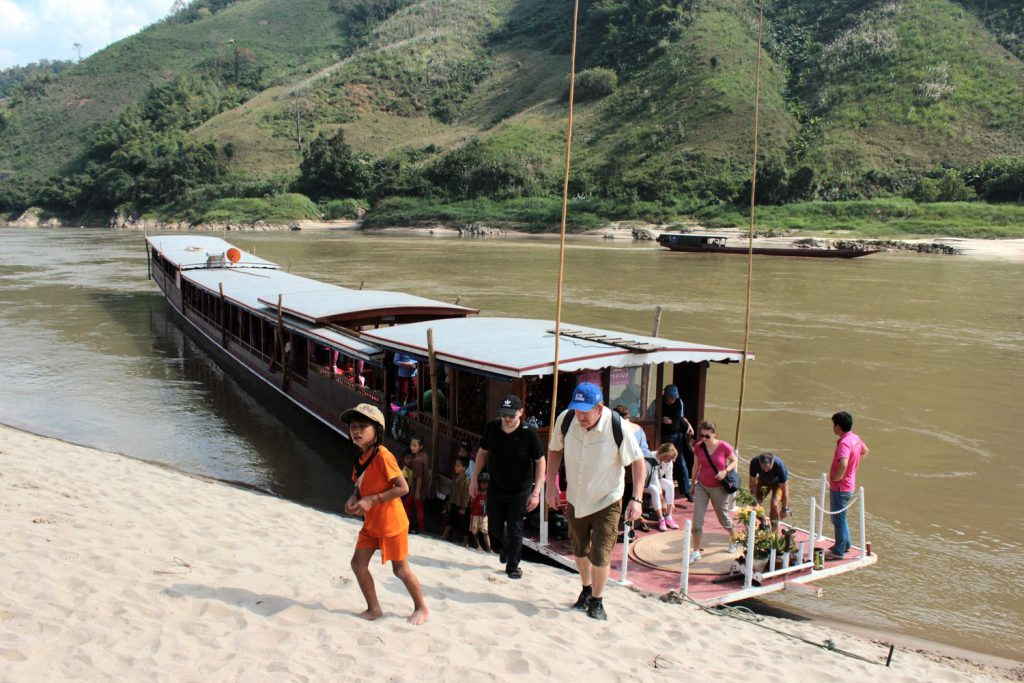 Mekong Cruise - life is a beach